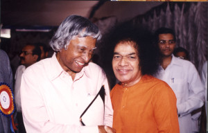 Dr. Abdul Kalam with Baba during the Health Meet 2002